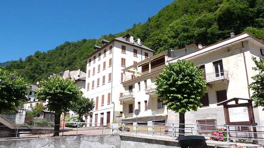 Appartamento in buone condizioni arredato in vendita Rif. 4341583