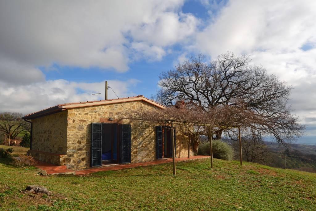 Casa in pietra in classe energetica A vicino Scansano.