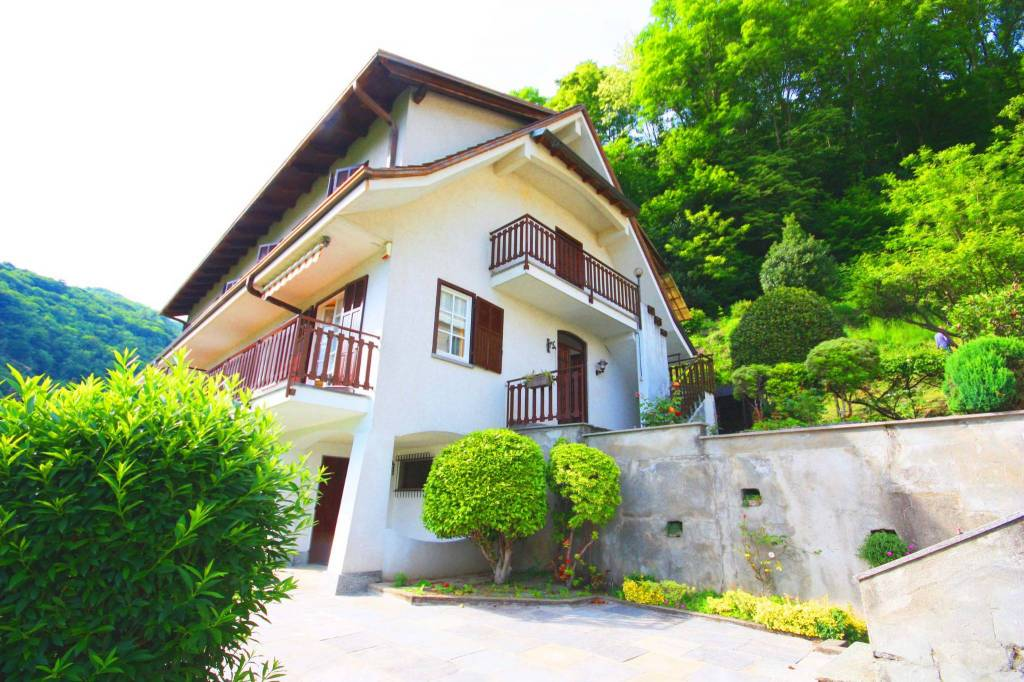 Villa in buone condizioni in vendita Rif. 7495879