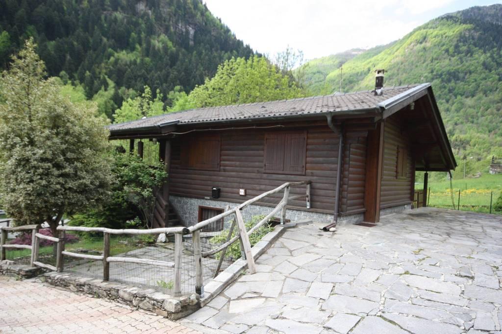 Villa in buone condizioni in vendita Rif. 7495880