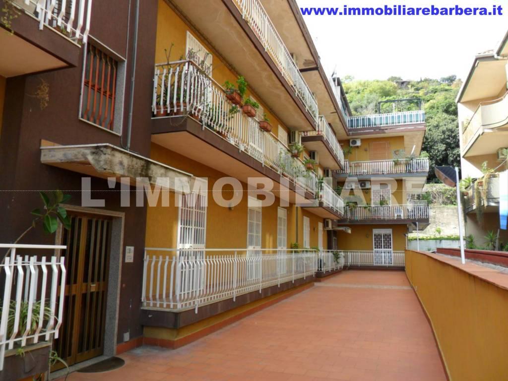 Appartamento in buone condizioni in vendita Rif. 7363325