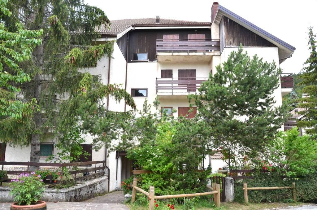 Ovindoli, residence Il Roccione, 4 locali, 2 bagni giardino