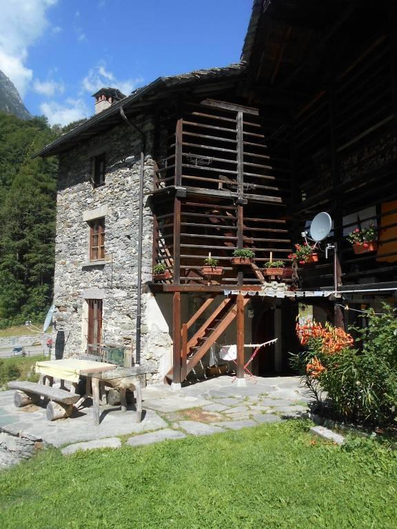 Rustico / Casale in buone condizioni arredato in vendita Rif. 7495707