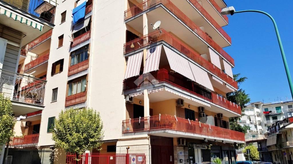 Appartamento in buone condizioni in vendita Rif. 9225775