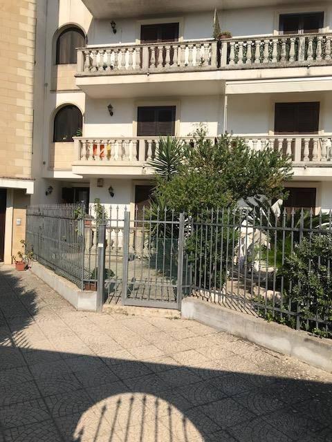 Appartamento in buone condizioni in vendita Rif. 7495609