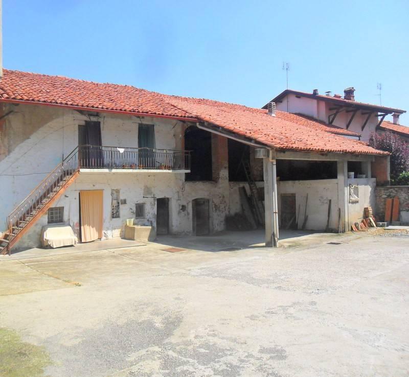 Rustico / Casale da ristrutturare arredato in vendita Rif. 7495196