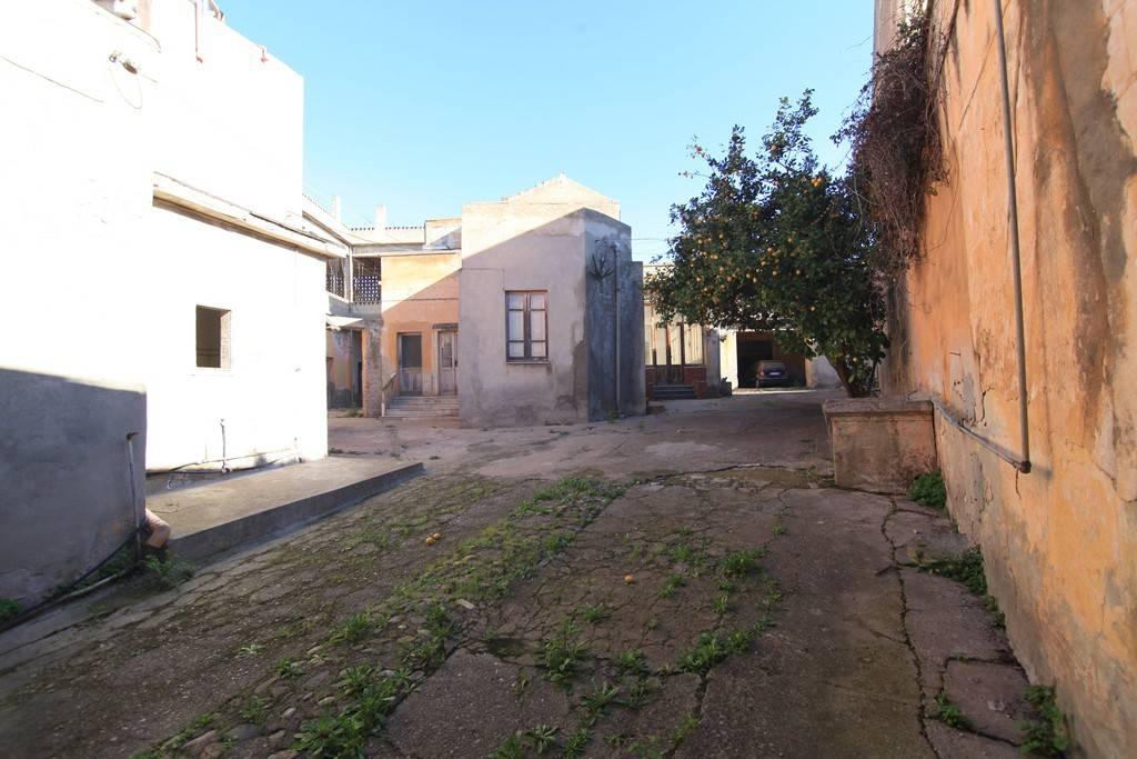 Villa da ristrutturare in vendita Rif. 7505325