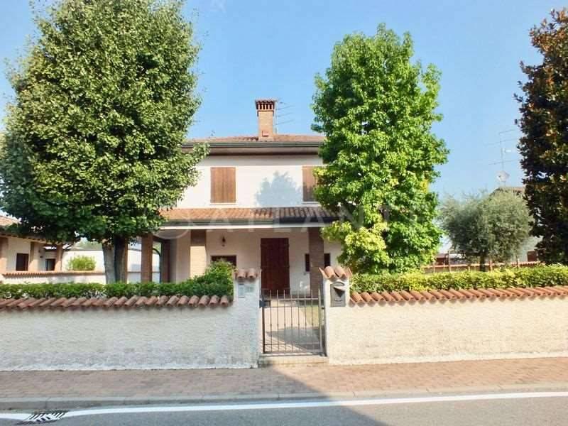 Casa Indipendente in ottime condizioni in vendita Rif. 7874116