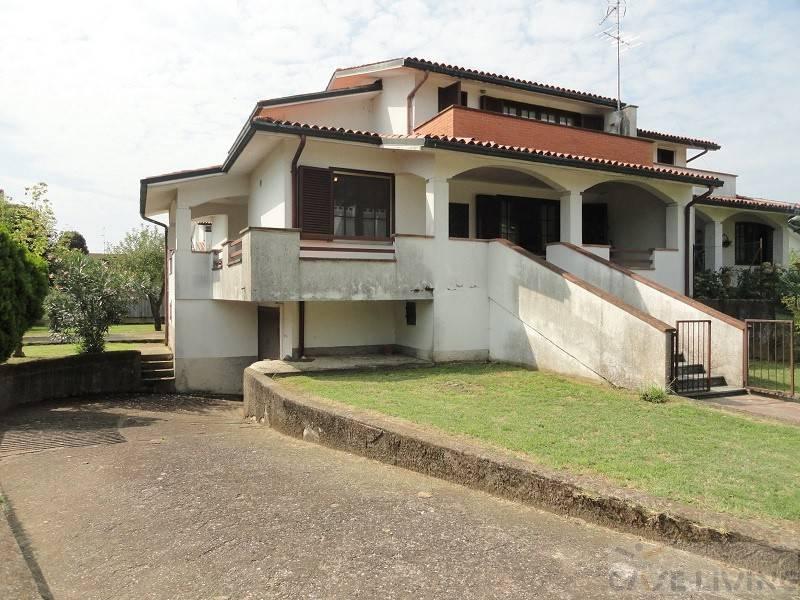 Villa da ristrutturare in vendita Rif. 7504588