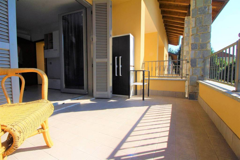 Appartamento in ottime condizioni arredato in vendita Rif. 7505256