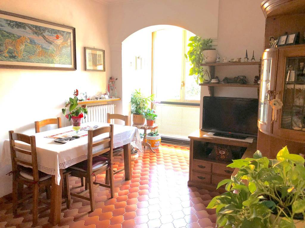 Appartamento in buone condizioni parzialmente arredato in vendita Rif. 7506429