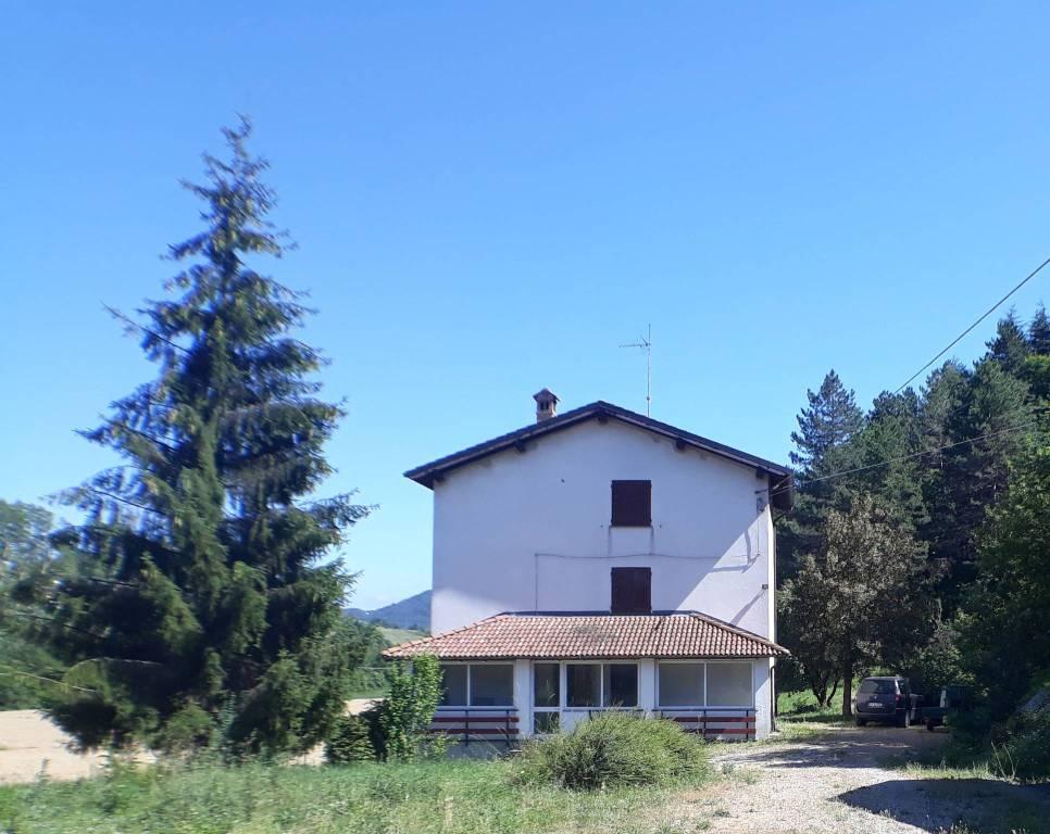 Villa in vendita a Gavi, 8 locali, prezzo € 200.000 | PortaleAgenzieImmobiliari.it