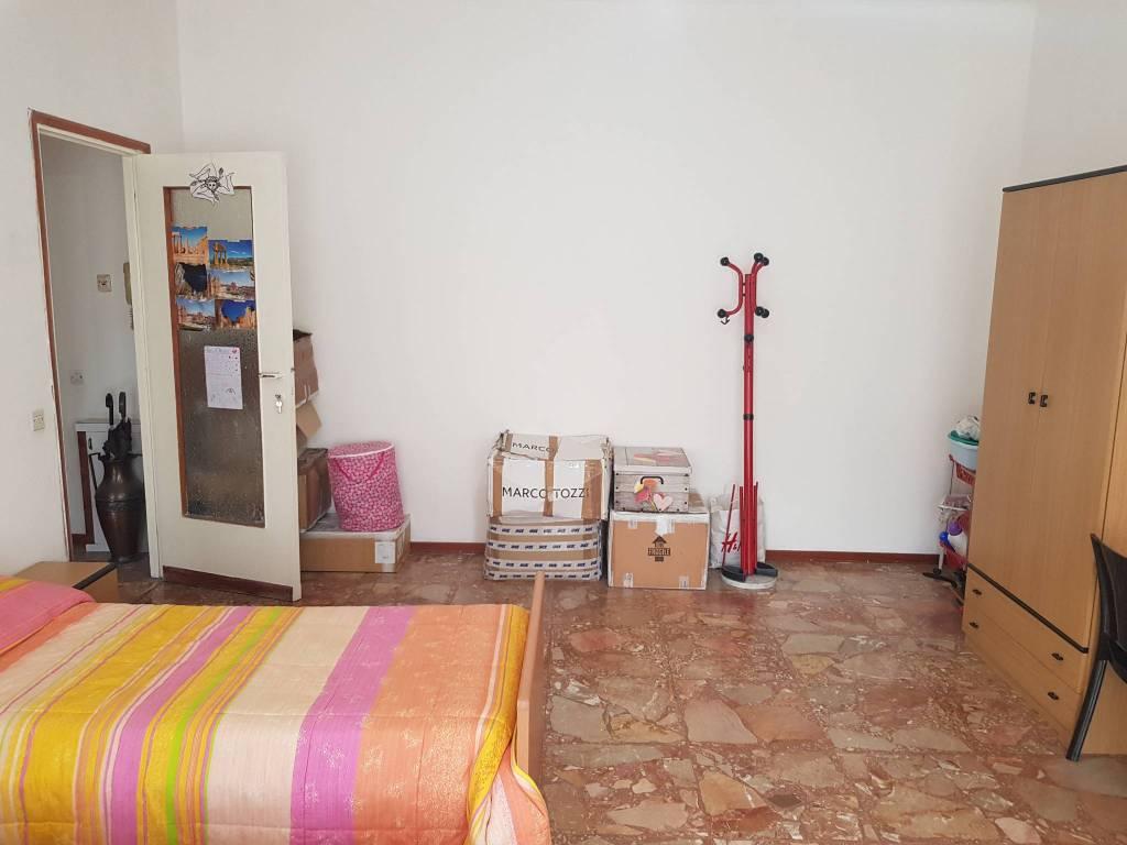 Stanza / posto letto in affitto Rif. 8593601