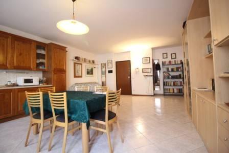 Appartamento in buone condizioni in vendita Rif. 7505063