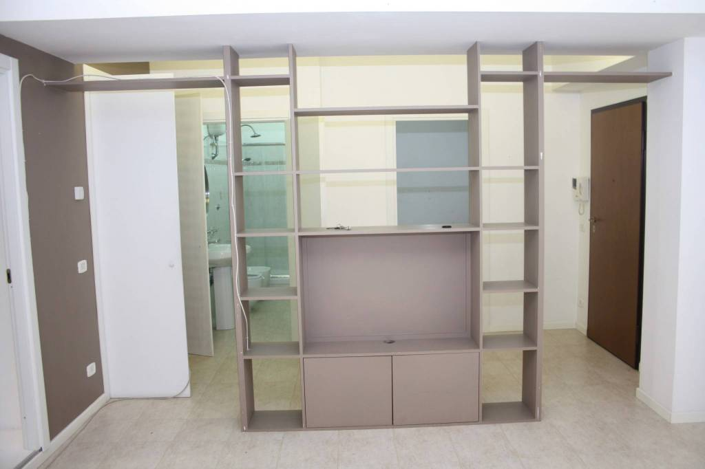 Appartamento in buone condizioni in affitto Rif. 7505165