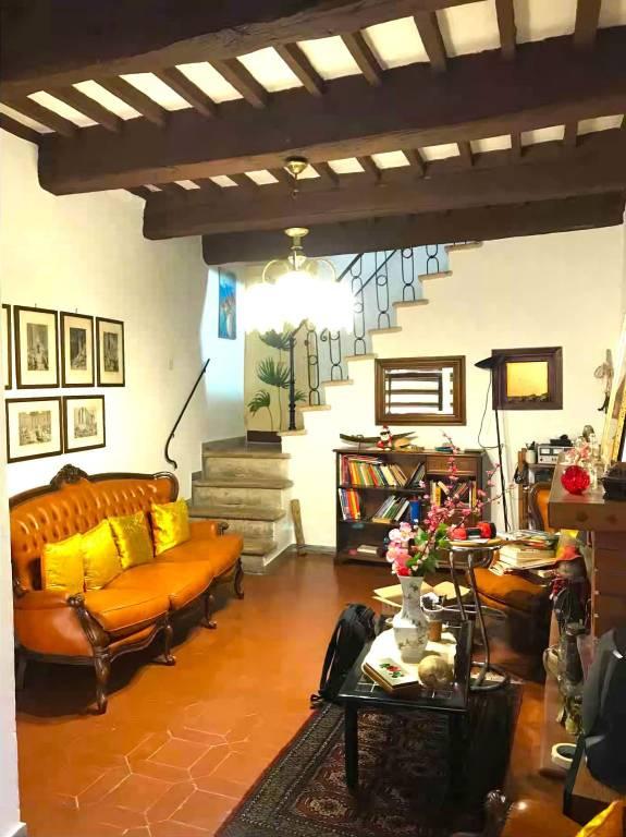 Appartamento in buone condizioni in vendita Rif. 7506529