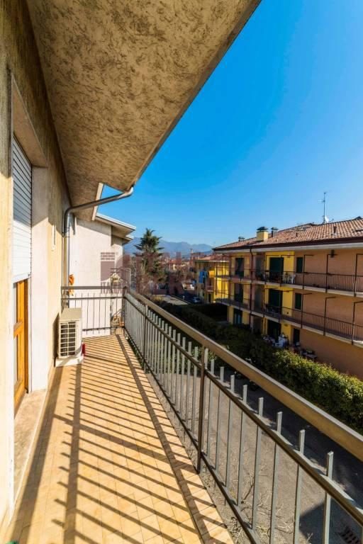 Appartamento in vendita a Scanzorosciate, 3 locali, prezzo € 89.900 | CambioCasa.it
