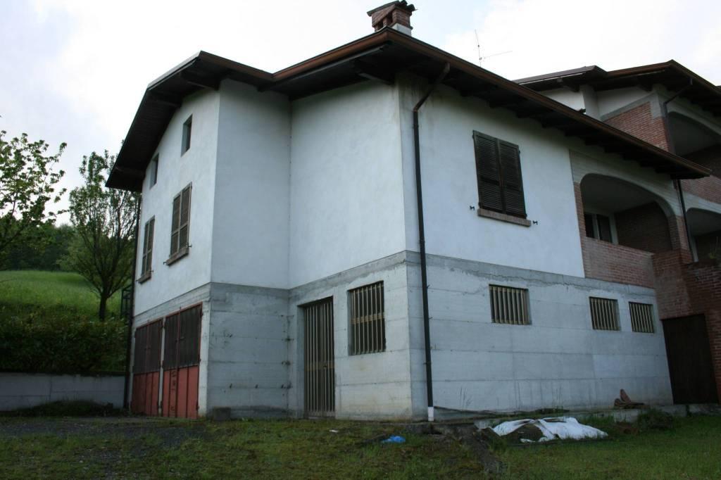Villa in Vendita a Morfasso: 3 locali, 188 mq