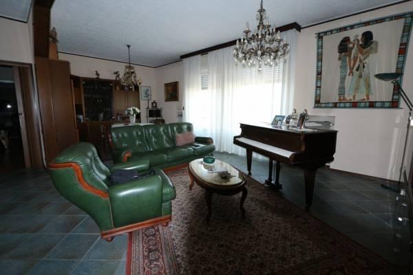 Appartamento in buone condizioni in vendita Rif. 7505941