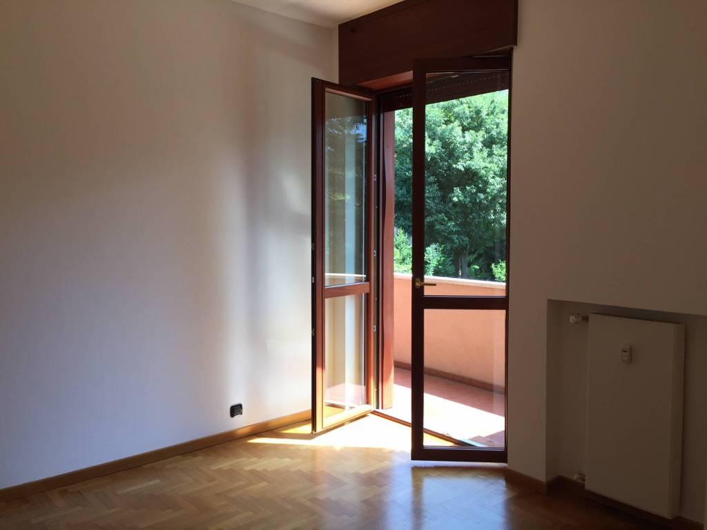 Appartamento in ottime condizioni in affitto Rif. 5388653