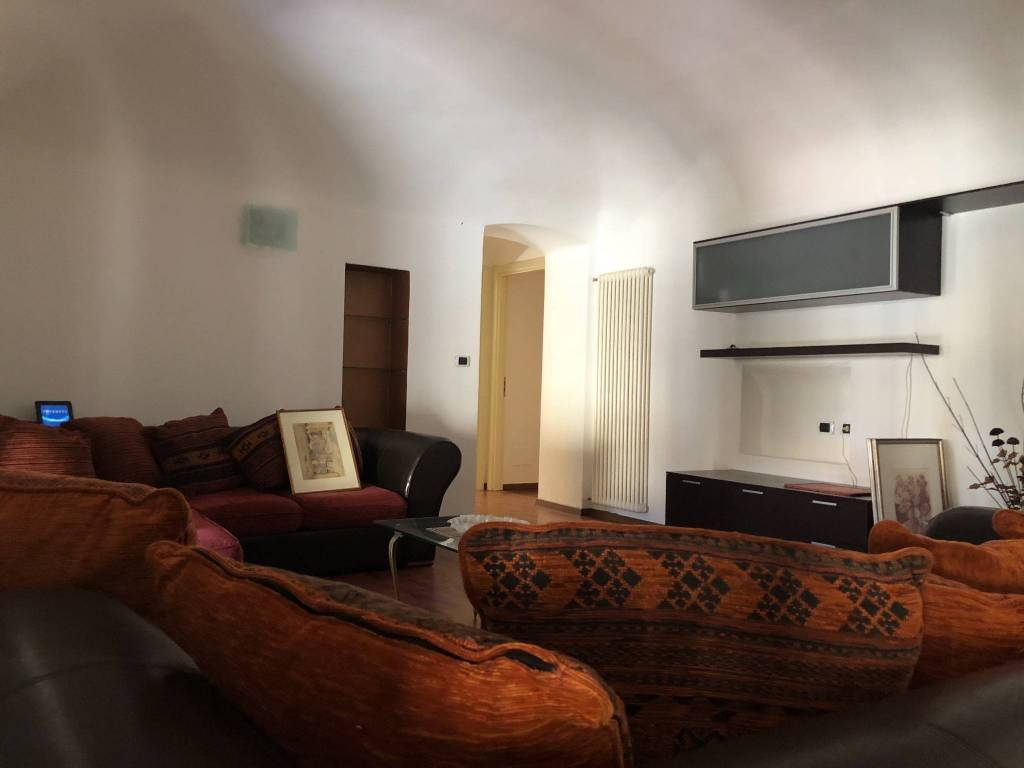 Appartamento in ottime condizioni arredato in affitto Rif. 7506498