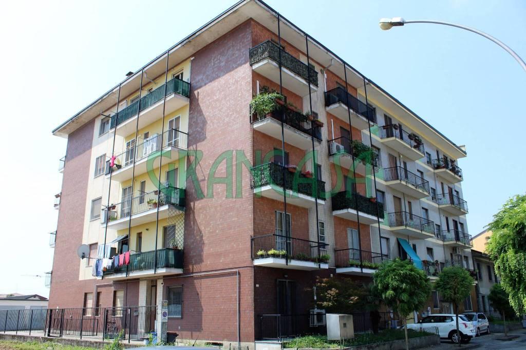 Appartamento in buone condizioni arredato in vendita Rif. 7504192