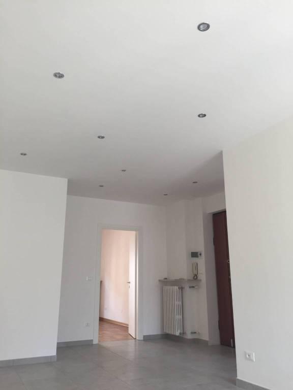 CUNEO Via Negrelli appartamento ristrutturato con box € 36