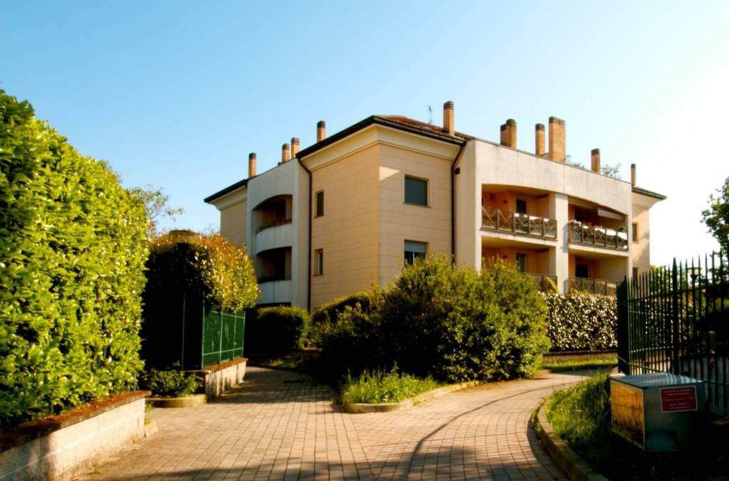 Appartamento in ottime condizioni in vendita Rif. 7505344