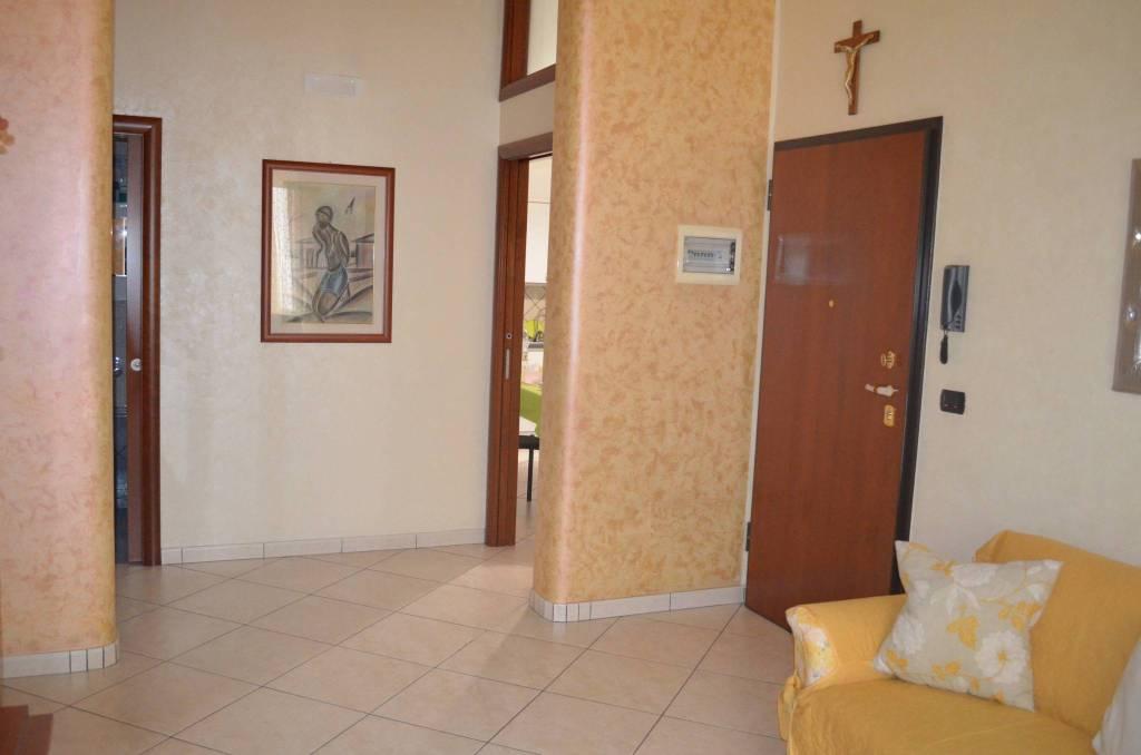Appartamento in ottime condizioni in vendita Rif. 7504319