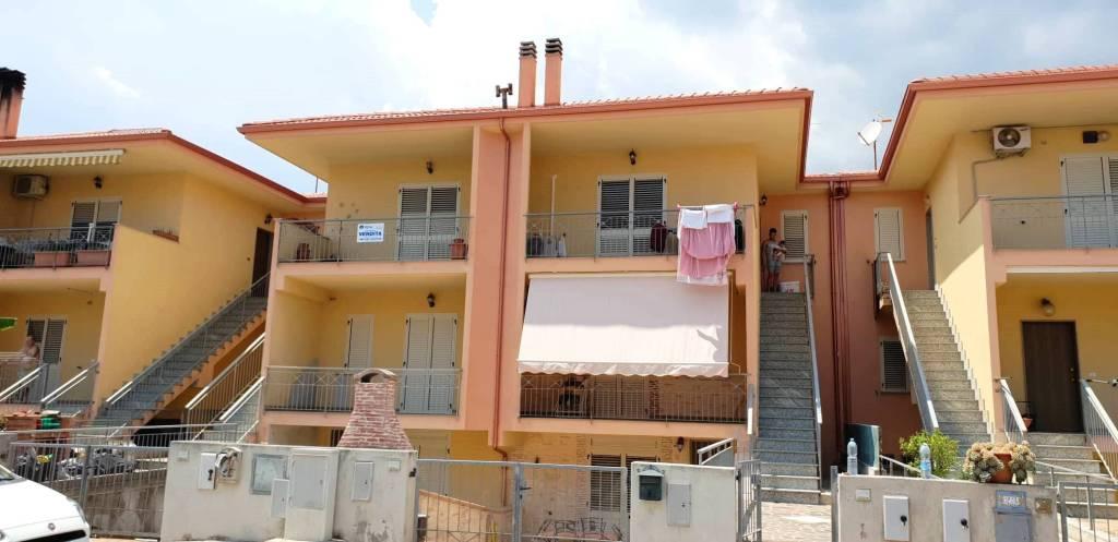 Appartamento in buone condizioni in vendita Rif. 7507820
