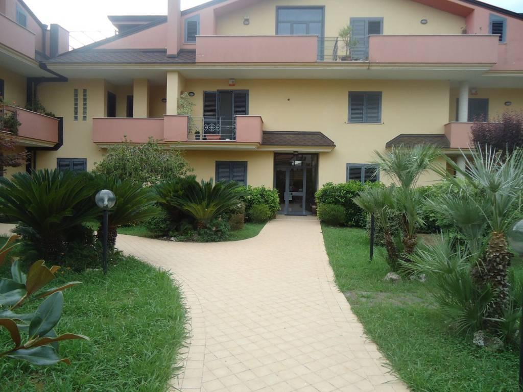 Appartamento in ottime condizioni in vendita Rif. 7506301