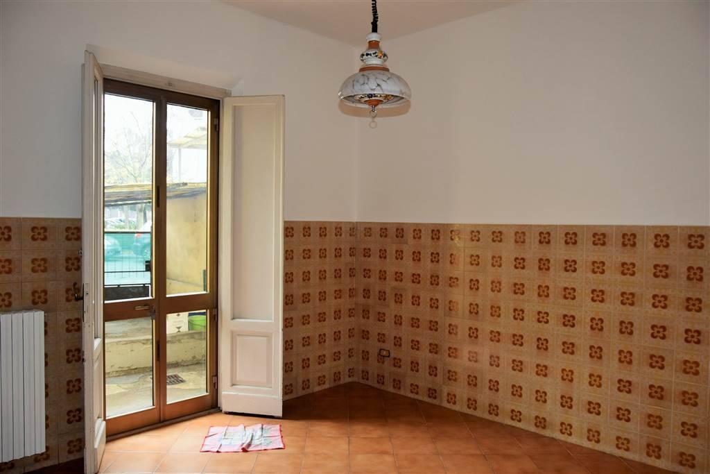 Villetta a schiera in buone condizioni in vendita Rif. 8080034