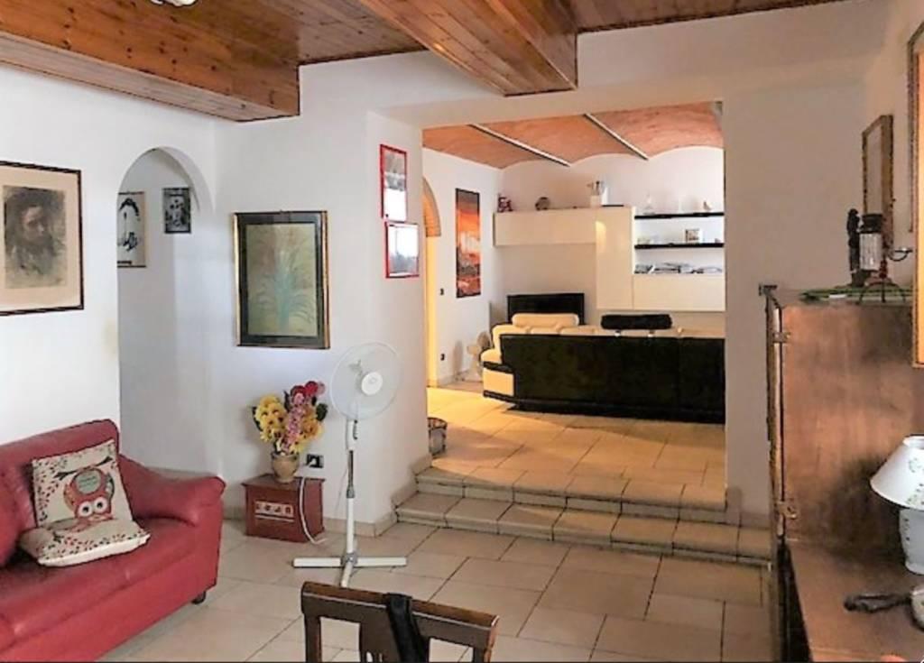 Casa Indipendente in ottime condizioni in vendita Rif. 8079322