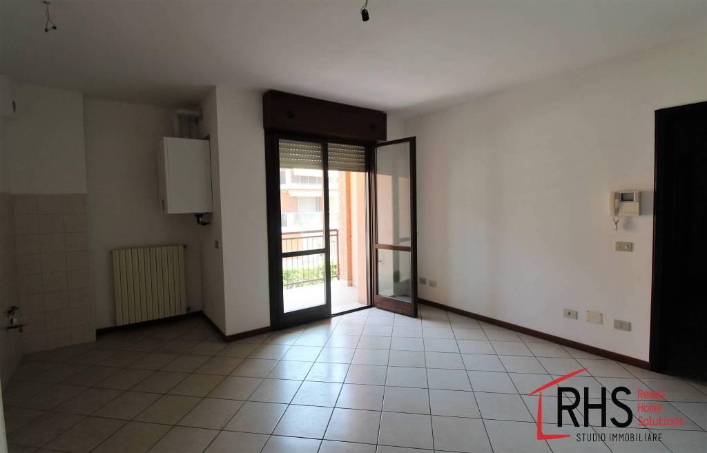 Appartamento in ottime condizioni in vendita Rif. 7520149
