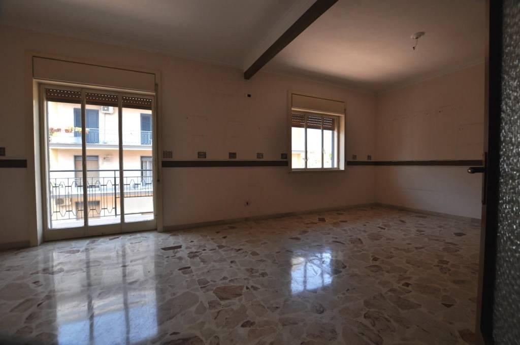 Appartamento in buone condizioni in affitto Rif. 7518061