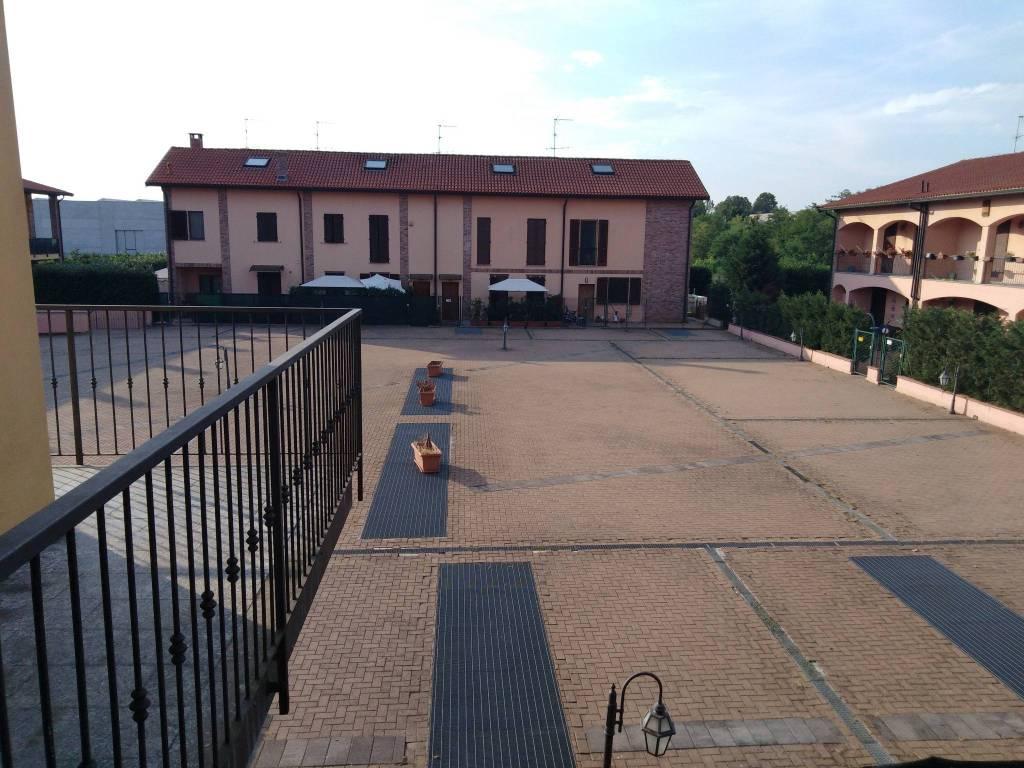 Appartamento in ottime condizioni in affitto Rif. 7518424