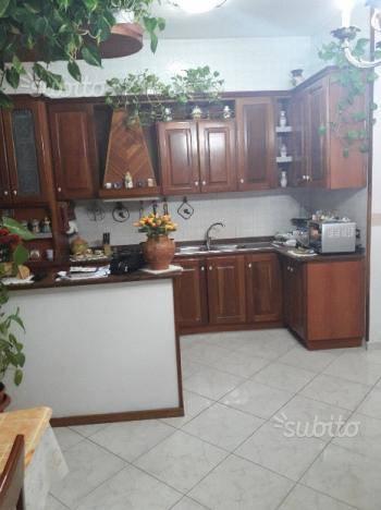 Appartamento in buone condizioni in affitto Rif. 7520161