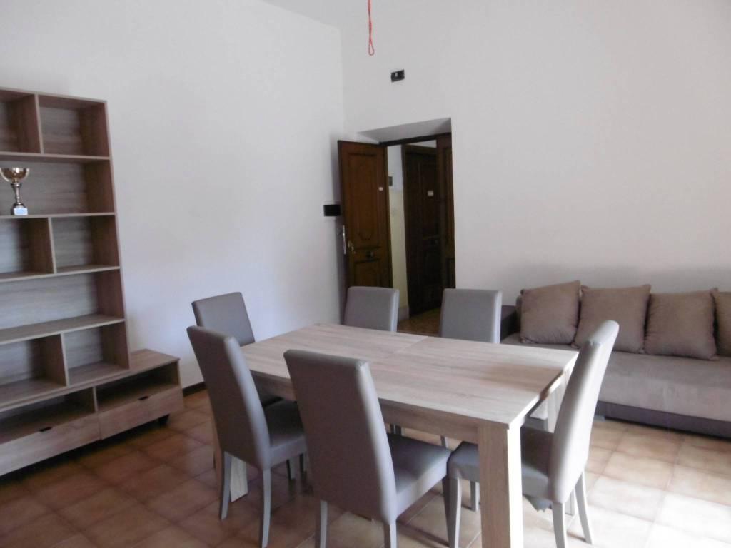 Appartamento in buone condizioni arredato in affitto Rif. 7519798