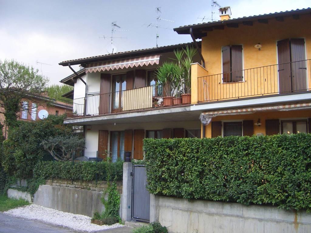 Villa a Schiera in vendita a Volta Mantovana, 3 locali, prezzo € 100.000   CambioCasa.it