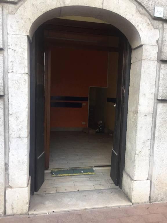 Locale commerciale via Partenio, Avellino Rif. 7519423