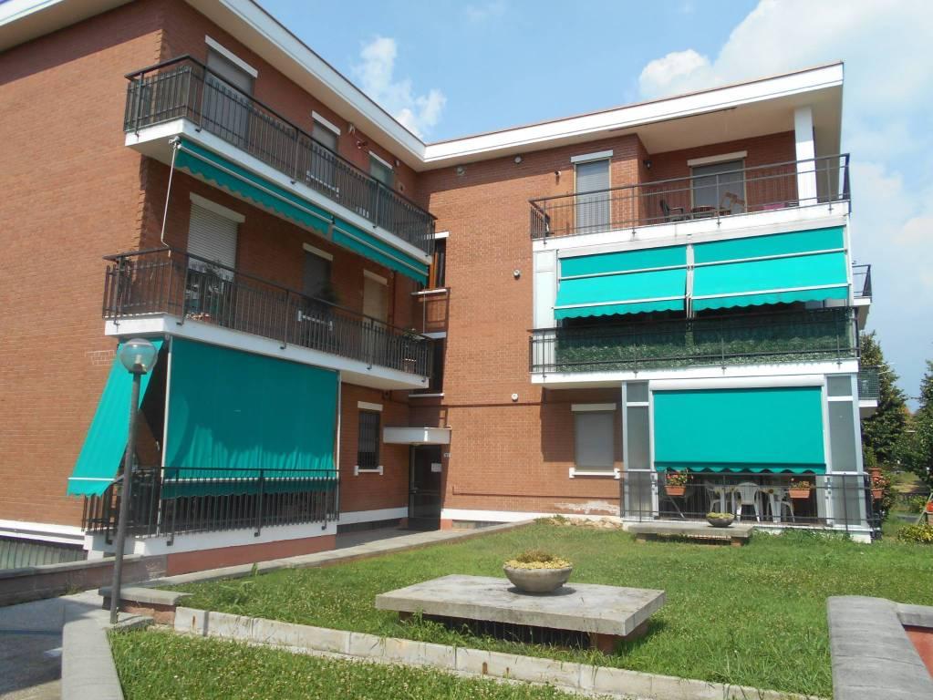Appartamento in buone condizioni in vendita Rif. 7519699