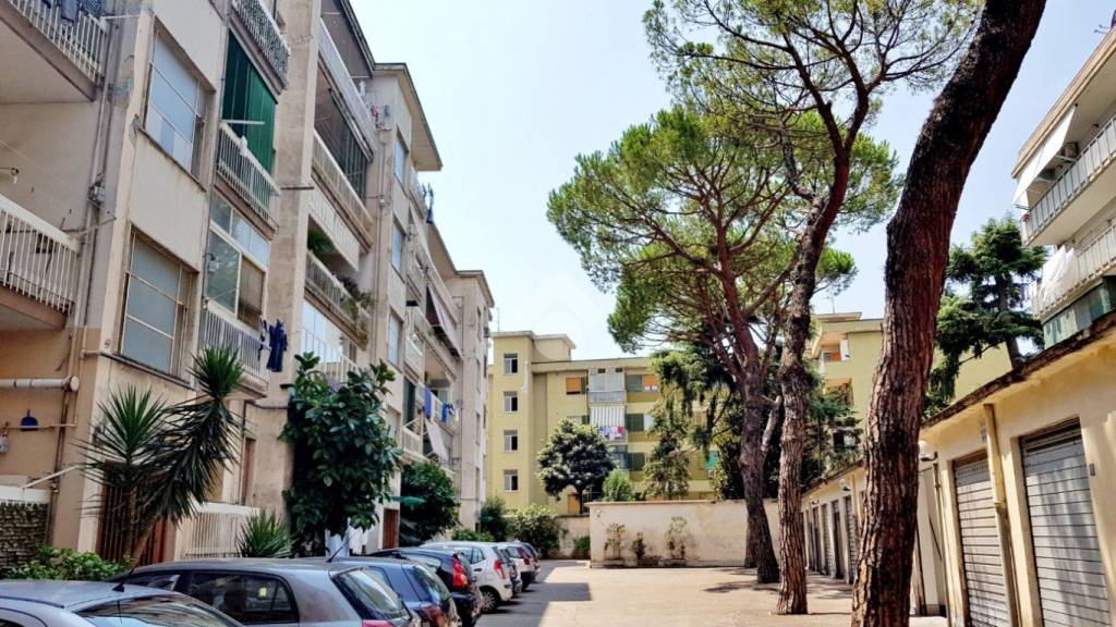 Appartamento da ristrutturare in vendita Rif. 9225776