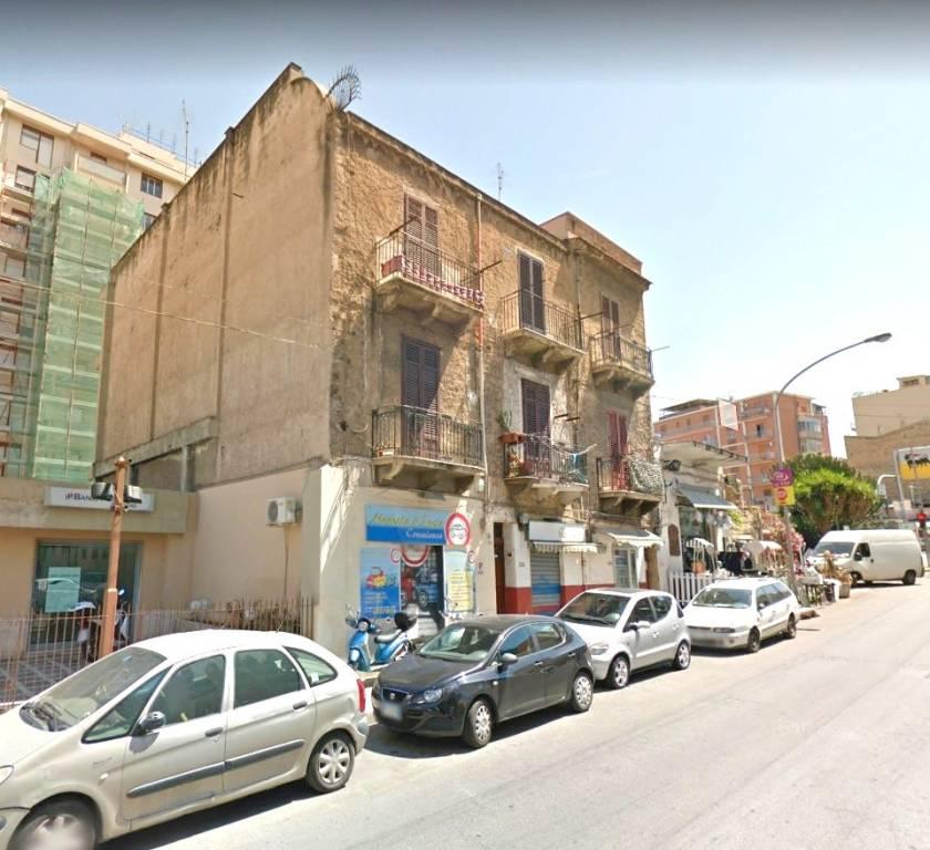 Appartamento in buone condizioni in vendita Rif. 4874782