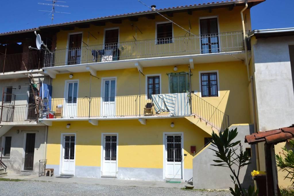 Appartamento in buone condizioni in affitto Rif. 7519041