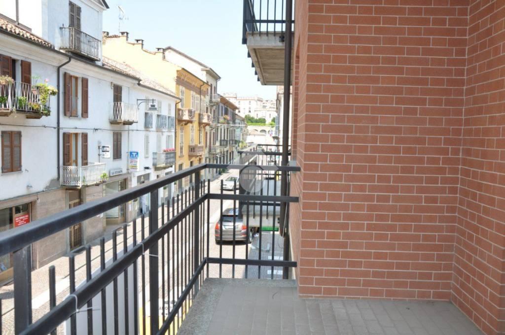 Appartamento in ottime condizioni in vendita Rif. 9272629