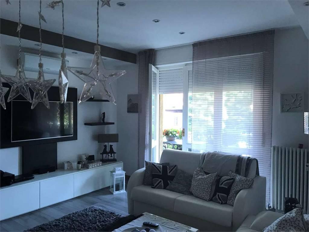appartamento bellissimo con terrazzo /canzo