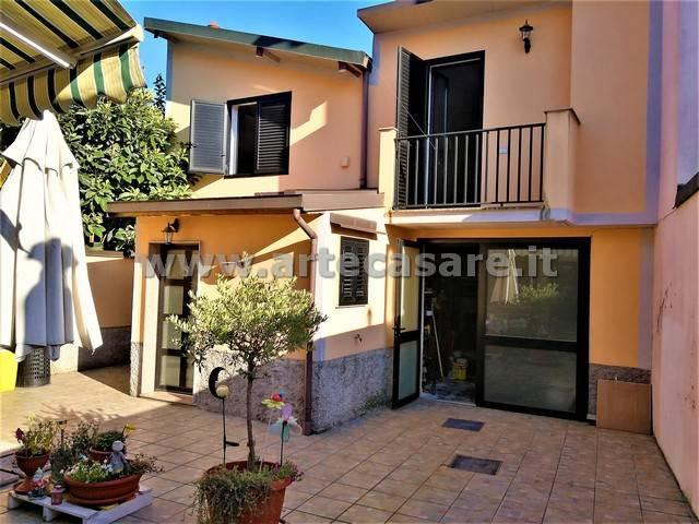 Villa in vendita a Rho, 3 locali, prezzo € 119.000 | Cambio Casa.it