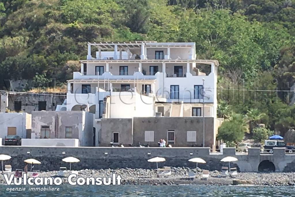 Appartamento in vendita a Lipari, 3 locali, prezzo € 250.000   CambioCasa.it