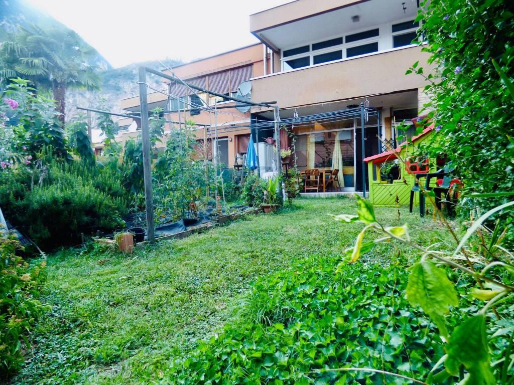 Appartamento in buone condizioni parzialmente arredato in vendita Rif. 7529293