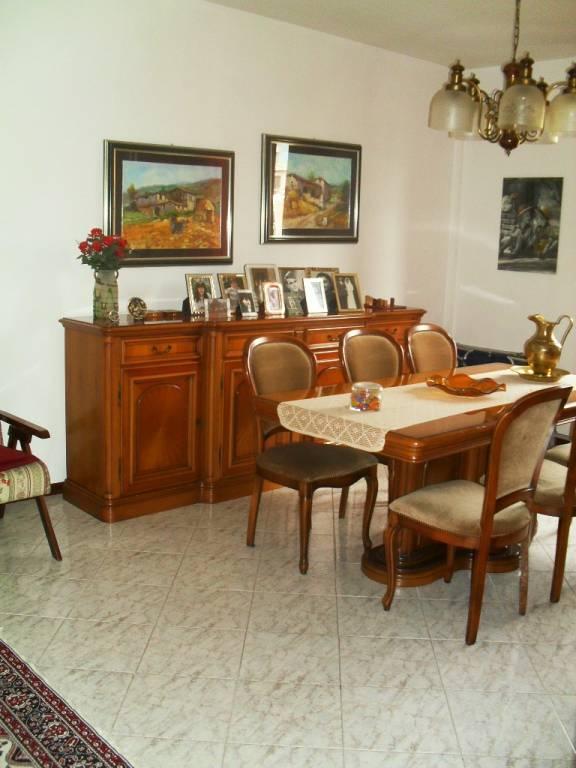 Appartamento in buone condizioni in vendita Rif. 7529345